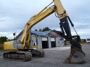 2006 New Holland E160 Track Excavator with Thumb