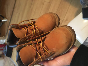 Soulier pour fille timberland size 5
