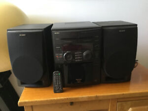 Sony radio/ 51 CD/ tape cassette player