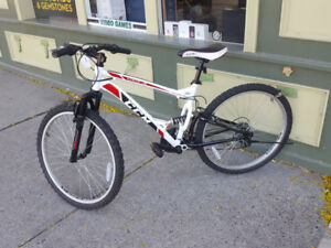 CCM Static Men's Dual Suspension Mountain Bike, 26-in