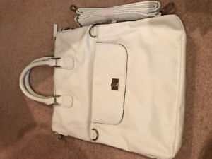 Pure Alfred Sung White leather purse