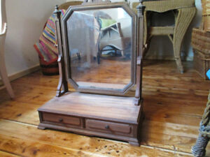 Mirrored Dresser Stand with Drawers
