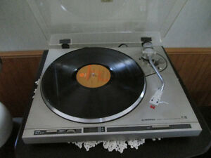 Pioneer PL 200 direct drive turntable