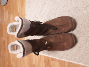 SIZE 6 Patagonia Boots-- Gently used