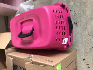 Pink pet kennel $10