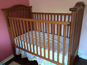 Solid Wood - sliding rail crib