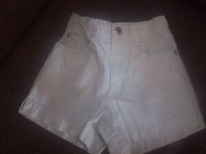 Gap Shorts, Size 2 Kitchener / Waterloo Kitchener Area image 1