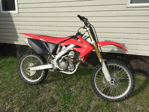 Honda CRF250R Dirt Bike