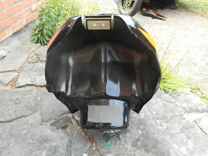 Yamaha FZ 1000  fuel tank, late 80's or early 90's    $160.00 Cornwall Ontario image 3