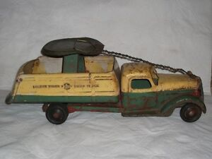 """Buddy L  very old """" SIT AND RIDE """" delivery truck 1930-40 Gatineau Ottawa / Gatineau Area image 4"""
