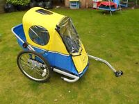 Children's Bike Trailer - Good condition - Takes 2 tots