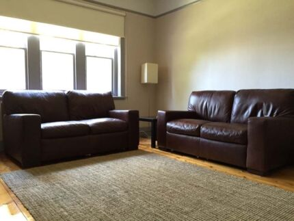 2 x BAY LEATHER REPUBLIC CLUB GRAND two seat leather sofas Coburg Moreland Area Preview