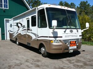 2005 Scottsdale Newmar 34 feet with 3 slide outs in excelent sha