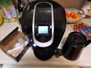 Keurig 2.0 k300 with carafe and reusable k-cup