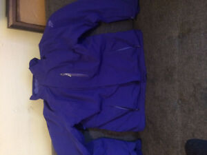 GORGEOUS BRAND NEW WOMEN'S NORTH FACE JACKET FOR SALE