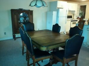 antique dining roomset, table,chairs, buffet table,china cabinet