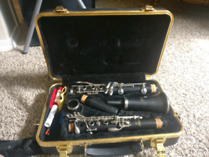 Selmer Clarinet - In EXCELLENT Condition!!