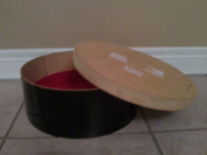 Round wooden storage keepsake box London Ontario image 2