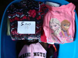 Girls cothing 5 years old- Morceaux de linge fille 5 ans