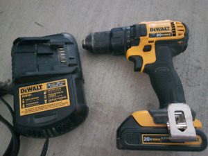 Dewalt 20V Drill  Comes with Drill plus charger plus strong batt