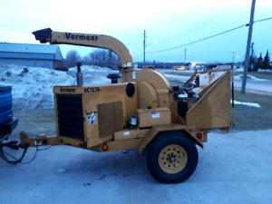 Vermeer BC1230A wood chipper