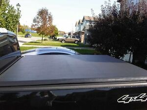 Soft Tri Fold Tonneau Cover For 5.5 ft Box Ford OEM Tonno