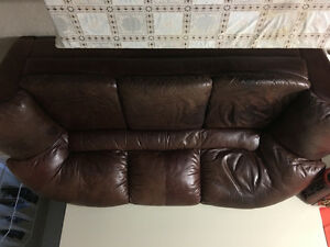 leather sofa and coffee table London Ontario image 1