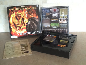 2012 hunger games district 12 strategy board game mint!