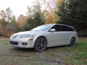 Mazda 6 V6 2006 Familiale toutes options équipée pour voyager