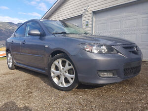 2008 Mazda3 Sedan with Winters on Rims!