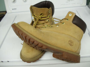 Timberland boot  (size 6.00  for boy )