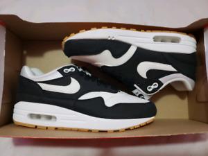 DS Air max 1 Size 7 Women or Size 5.5 Youth $80