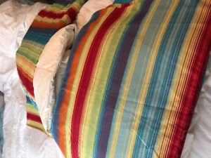 Matching twin Duvets/Covers/Shams