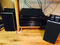 Yamaha Receiver RX 596/6 disc player/Energy Speakers