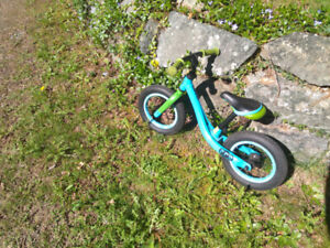 Kid's balance bike in excellent condition