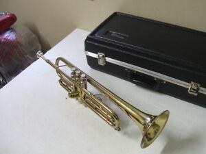 Trompette Conn 18B U.S.A. faite en 1980 propre complète