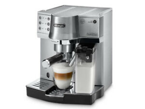 Make your own lattes with this amazing DeLonghi expresso machine