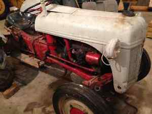 Ford Ferguson 2N Tractor - Great Compact Tractor Windsor Region Ontario image 3