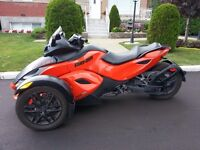 Can am spyder 2011 RSS orange
