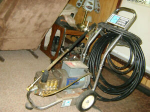 COMMERCIAL GRADE PRESSURE WASHER