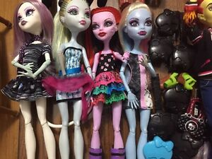 HUGE Monster High Lot London Ontario image 9