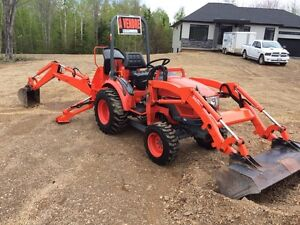 Kioti CK20 loader and backhoe (free delivery within 100km)