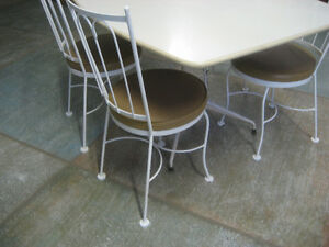 Vintage White Table set North Shore Greater Vancouver Area image 3