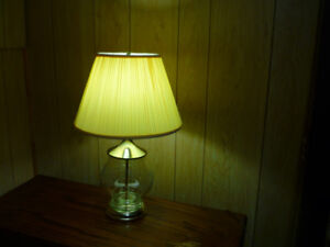 Stunning Etched Glass and Polished Brass Lamp $20.00