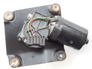 Volvo S40 V40 2000-2004 Windshield Wiper Motor 0390241170