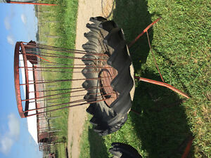 2 SQUARE BALE FEEDERS FOR HORSES
