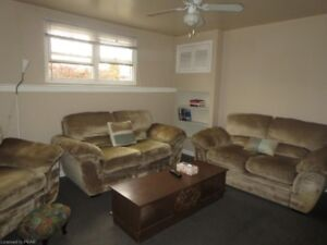 2 BEDROOM LEGAL BASEMENT APARTMENT CLOSE TO FLEMING