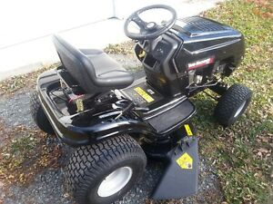 Yard Machines 14.5 HP Lawn Tractor for Sale 2016 Cornwall Ontario image 7