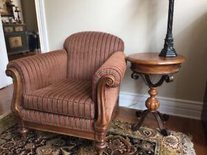 chaise de decoration avec table