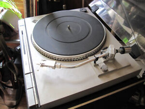 JVC L-A55 direct drive turntable